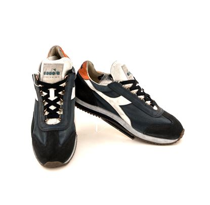 Picture of sneaker heritage equipe
