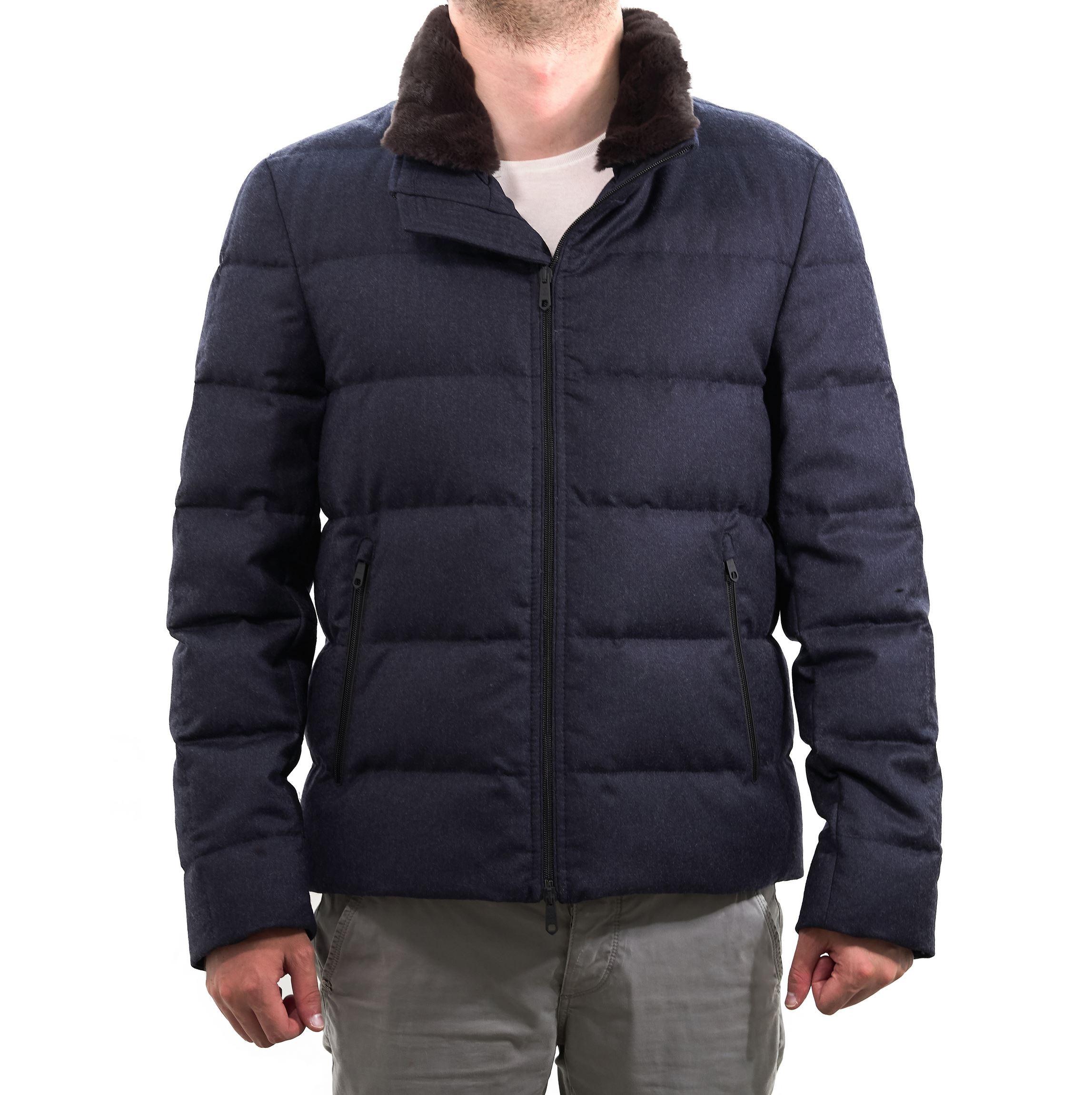 Immagine di Piumino blu in lana