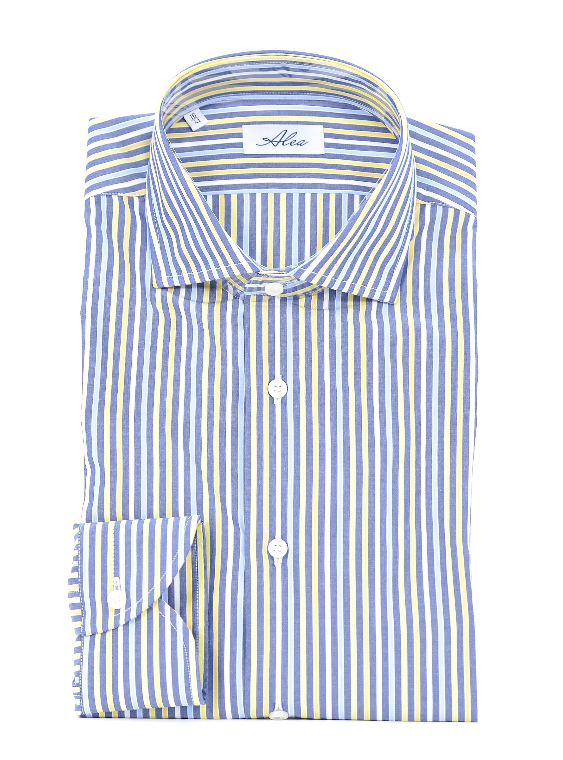 Picture of Longsleeved shirt with a light-blue background