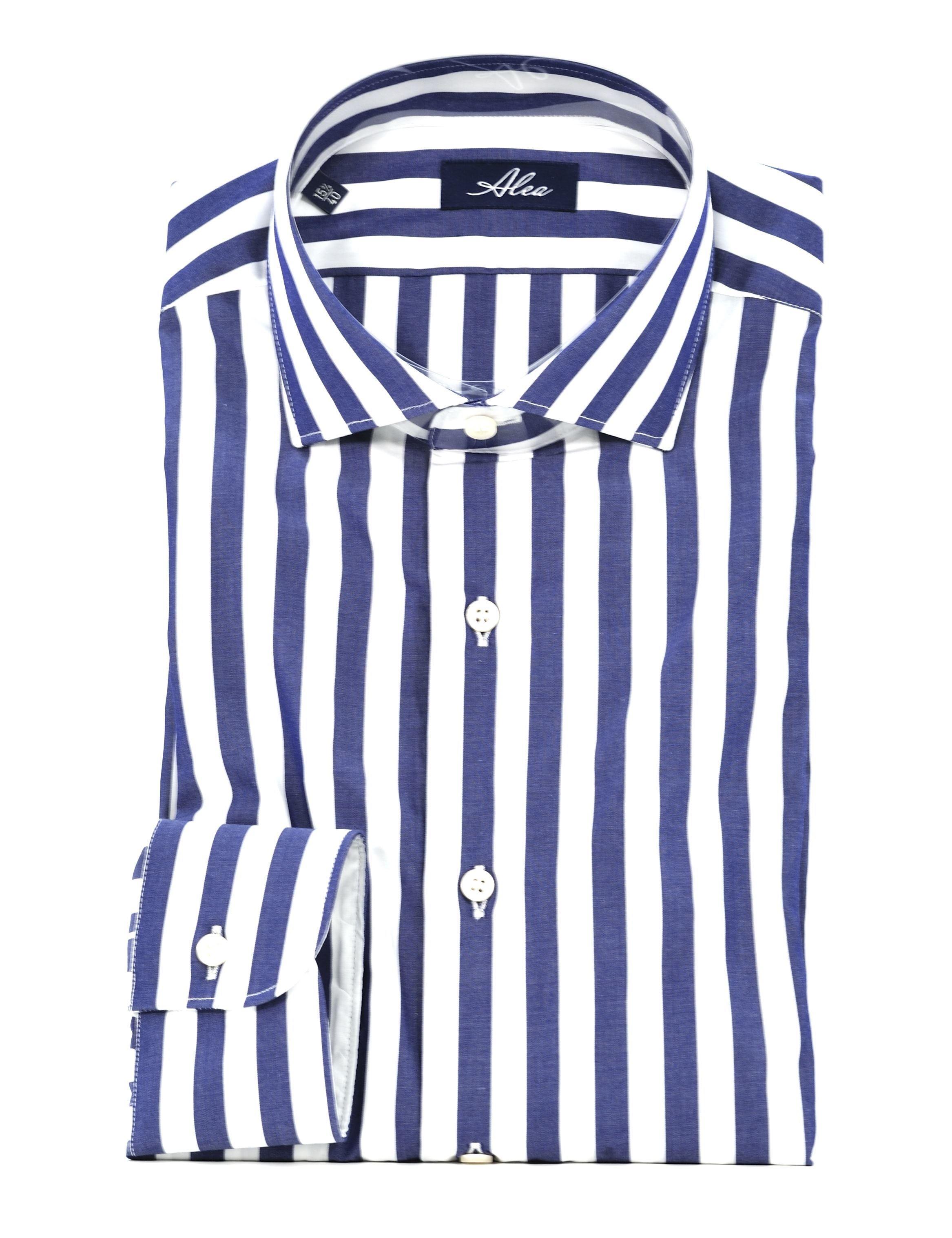 Immagine di camicia a righe larghe blu
