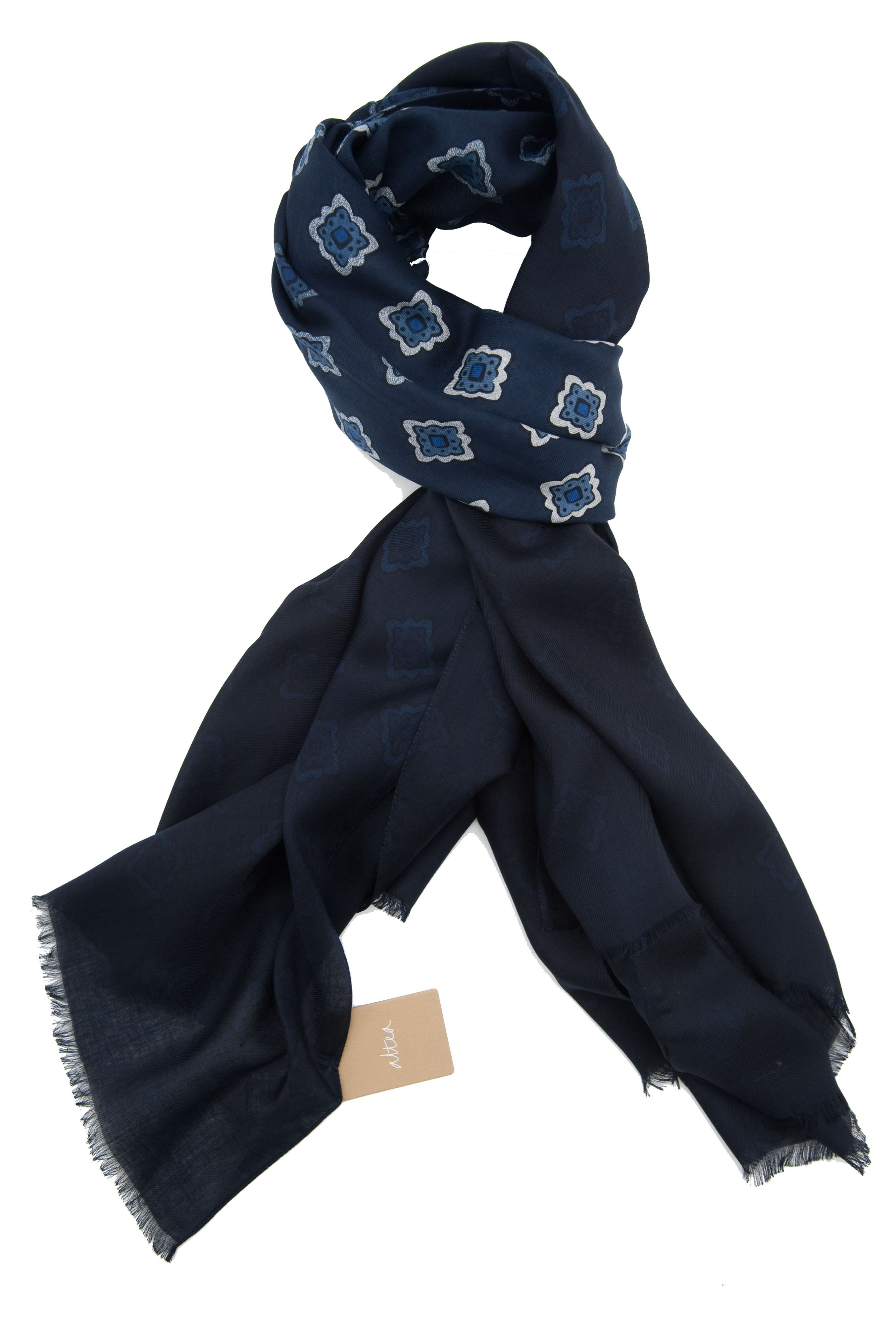 Picture of Altea scarf blue background