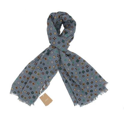 Picture of Scarf powder blue background